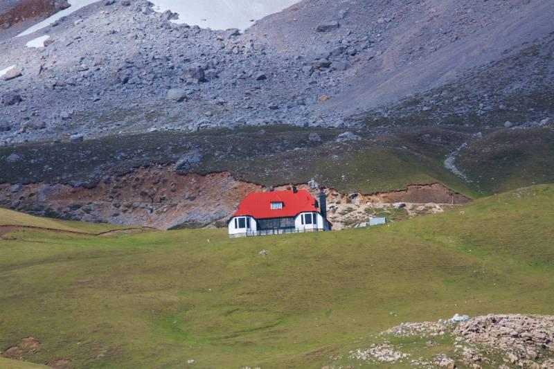 El Chalet Real en los Picos de Europa   venapicos.com