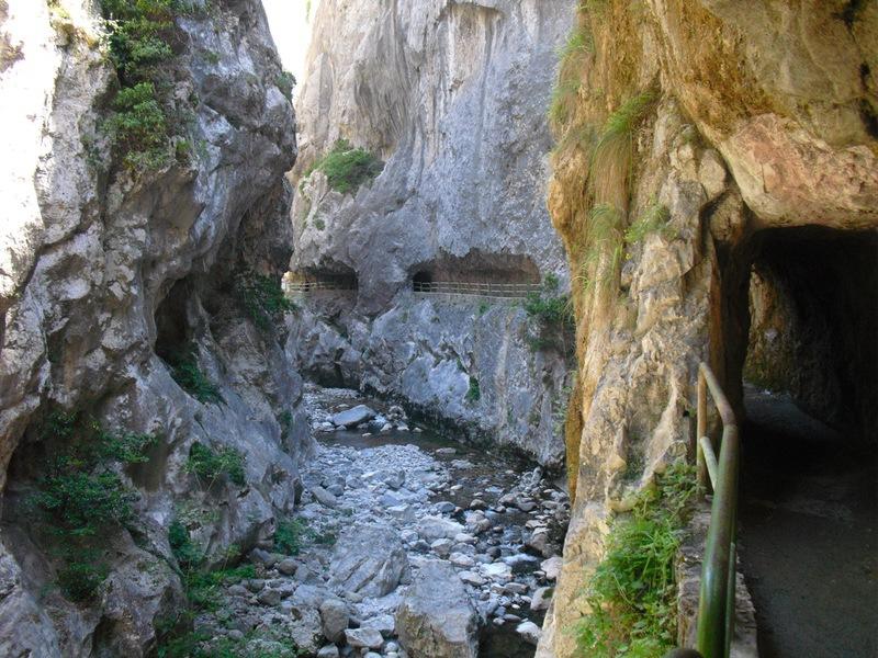 Ruta del Cares saliendo de Caín | venapicos.com
